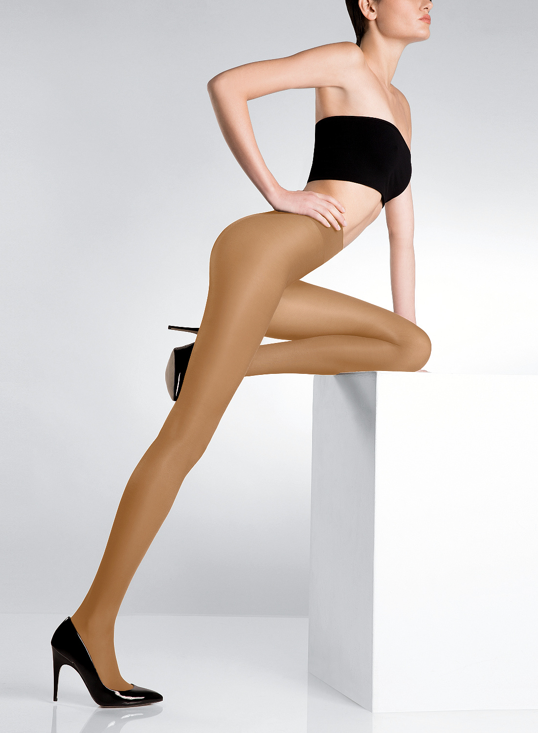 Amazing glossy tights (pantyhose) Eclatant from Pierre Mantoux buy on www.silonka.cz